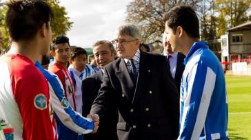 Sir Gerald Howarth meets the Sahara UK team. Credit Yam Gurung