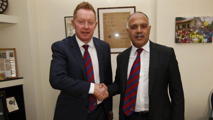 Gary Waddock Aldershot Town manager 2016 web 4