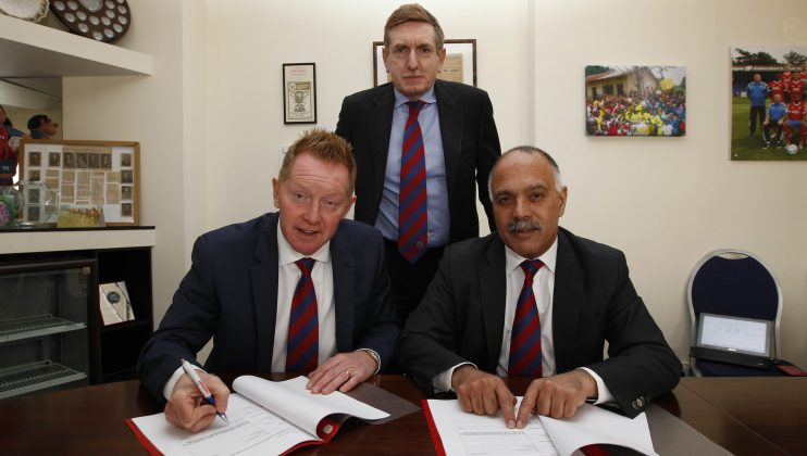 Gary Waddock Aldershot Town manager 2016 web 5